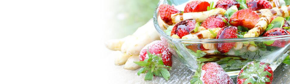 Rucola-Erdbeer-Spargel Salat